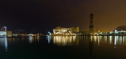 Puerto de Barcelona España Nocturna