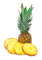 ripe pinapple with slices