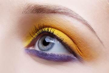 girl's eye-zone make-up