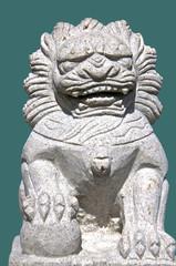 Freigestellte Löwenskulptur aus dem asiatischen Raum