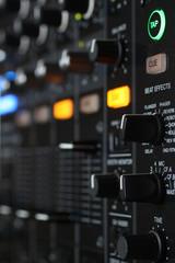 dj mixer 6