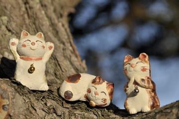 木登り猫の置物