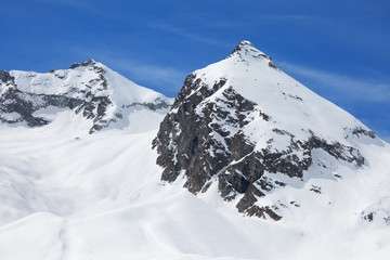 Presena Peak