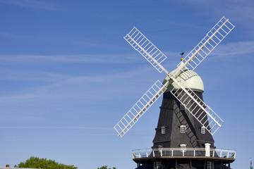 windmühle auf öland in schweden