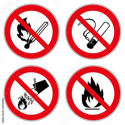verbotszeichen set rauchen feuer wasser l schen verboten. Black Bedroom Furniture Sets. Home Design Ideas