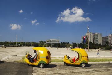Coco-taxis, Plaza de la Revolución, La Habana, Cuba
