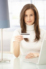 Pretty woman online shopping