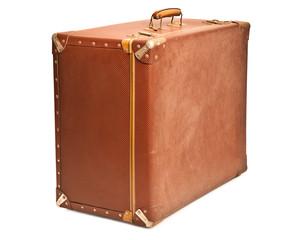 valigia su fondo bianco