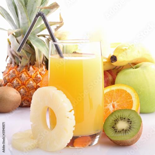 Cocktail jus de fruits photo libre de droits sur la for Cocktail jus de fruit