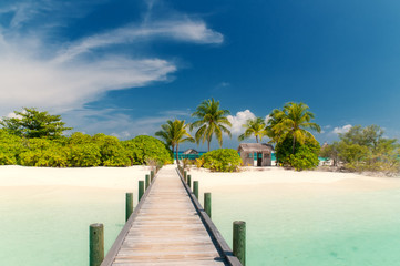 Brücke zu einsamer Insel