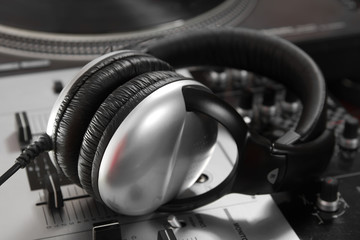 Dynamic closed headphones on mixer