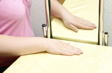 Spiegeltherapie - Schmerzlinderung nach Amputation