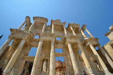 Les colonnes de la bibliothèque de Celsus