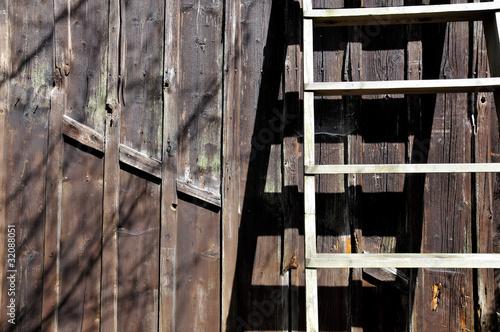 alte bretter wand holz leiter stockfotos und lizenzfreie bilder auf bild 32088051. Black Bedroom Furniture Sets. Home Design Ideas