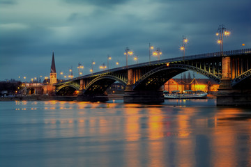 Theodor Heuss bridge Rhine Mainz.
