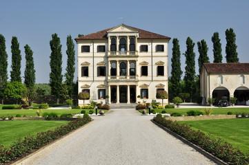 Tuinposter Oude gebouw Villa con Parco