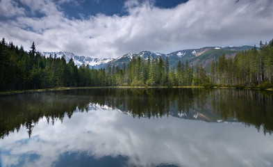 Fototapete - Smreczynski Staw pond in Polish Part of Tatra mountains