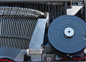 gros plan sur mécanisme de machine à écrire manuelle