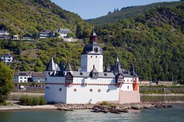 Castillo en el rio Rin