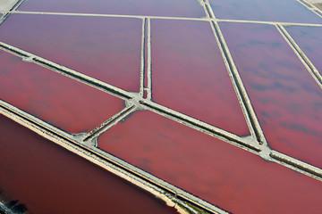 Photo aérienne des marais salants d'Aigue-Mortes ( Camargue)