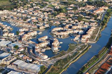 Photo aérienne marina d'Aigues-Mortes (30220)