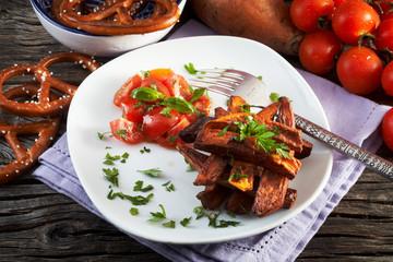 patate dolci americane fritte e pomodoro