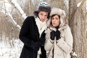 frost pärchen friert im winter