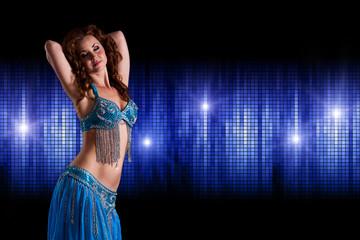 attraktive orientalische Tänzerin