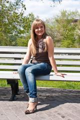 Blond, bench, park