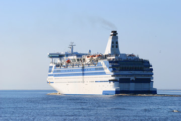White and blue sea passanger ship
