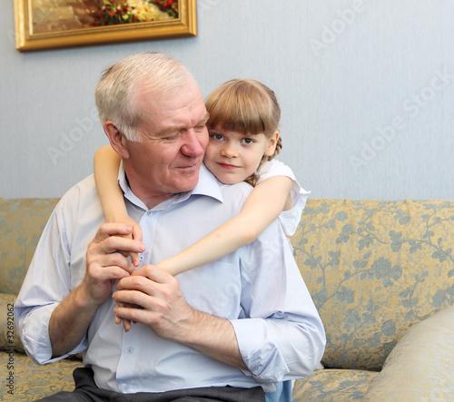 видео старик с молодой порно VK