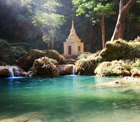 Photo sur cadre textile Olive Waterfall in Myanmar