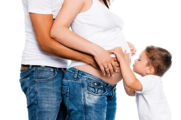 Schwangere Frau mit Familie