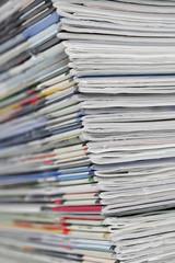 Zeitschriftenstapel, close-up