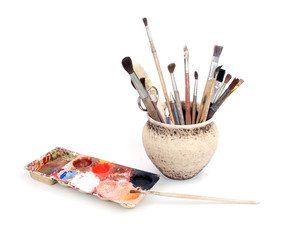 pot with brushes
