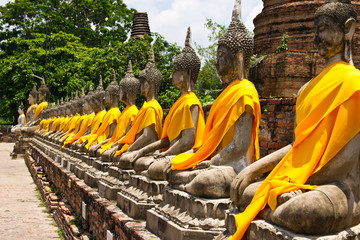 Papiers peints Edifice religieux Row of Sacred Buddha in Ayutthaya