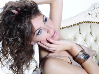 Obraz piękna kobieta - fototapety do salonu