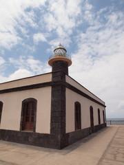 Leuchtturm an mediteraner Küste