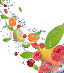Foto op Canvas Opspattend water Fresh fruit in motion
