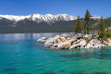 Wall Mural - Lake Tahoe with view on Sierra Nevada mountains