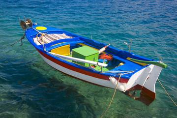 grèce, cyclades, amorgos : katapola, barque