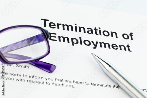 Kündigung Durch Arbeitgeber Englisch Stockfotos Und Lizenzfreie