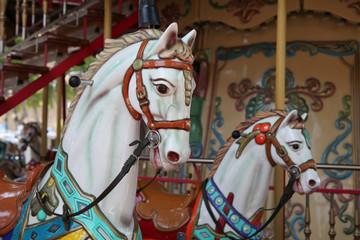 Kinderkarussell mit Pferd