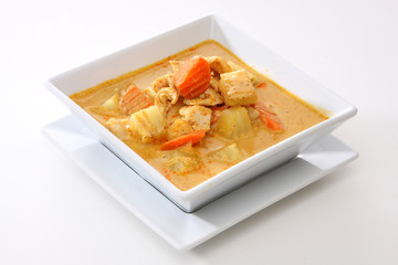 Yellow Curry Chicken (Massaman Curry Chicken