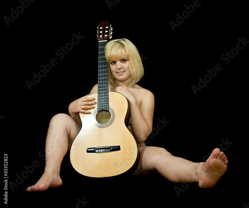 Mädchengitarre nackt 6