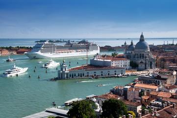Spoed Fotobehang Venetie Stock Photo: Cruise ship in Venice