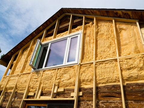 Spray foam insulation conserves energy