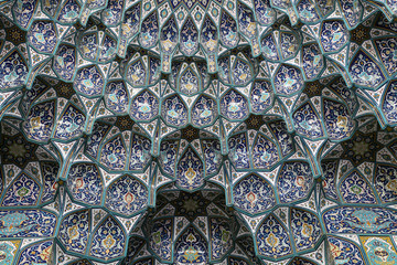 Decoration inside of Sultan Qaboos Grand Mosque