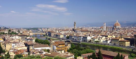 Stadtpanorama hoch über Florenz - Toskana