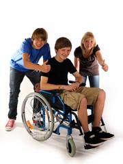 3 teens rollstuhl